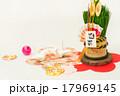 鶴と門松のお正月飾り 17969145