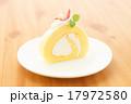 ロールケーキ 17972580