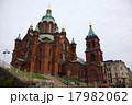 ヘルシンキ湾をのぞむウスペンスキ教会 17982062
