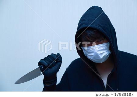 男性1人 (凶器 凶悪犯 泥棒 犯罪...