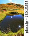 谷川連峰・清水峠付近の池塘と朝日岳 18015858