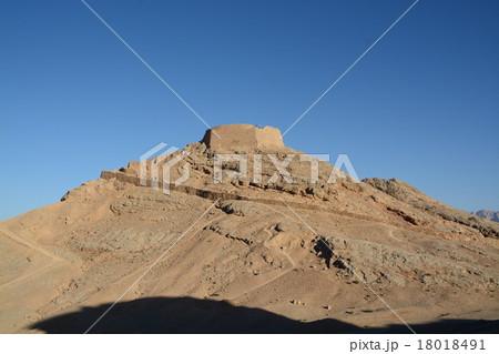 ゾロアスター教の聖地、沈黙の塔 18018491