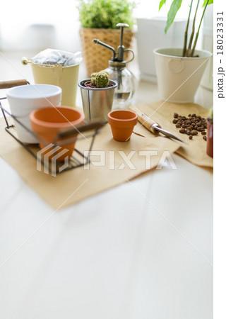 ガーデニング用品・小物の写真素材 [18023331] - PIXTA