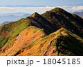 谷川連峰・朝日岳の稜線 18045185
