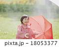 雨の日の女の子 18053377