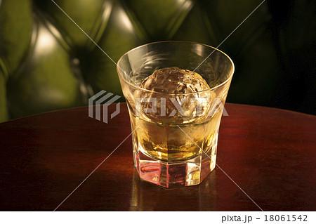 ウイスキー 18061542
