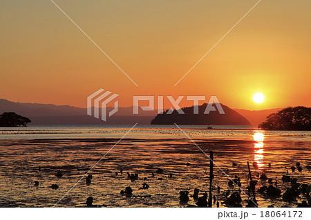 琵琶湖夕景 18064172