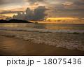 パトンビーチ 夕日 夕焼の写真 18075436