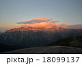 穂高連峰の朝焼け 18099137
