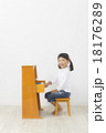 ピアノ演奏 18176289