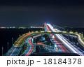 海ほたる インターチェンジと車の光跡 18184378