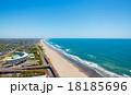 高度100mからの長く続く九十九里海岸線を空撮 18185696