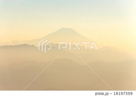 富士山・陣馬山より 18197309