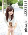 若い女性 ポートレート 18223315