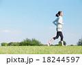 女性 ランニング ジョギングの写真 18244597