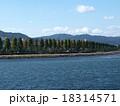 琵琶湖から見る「粟津の晴嵐」 18314571