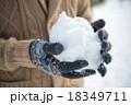 雪遊び 18349711