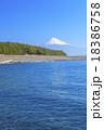 三保の松原からの駿河湾と富士山 18386758