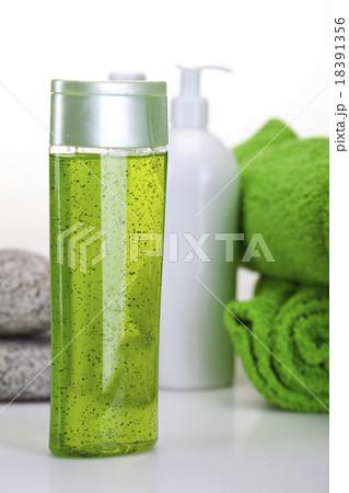 Spa accessories, fresh and organic conceptの写真素材 [18391356] - PIXTA
