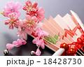 簪と扇 18428730