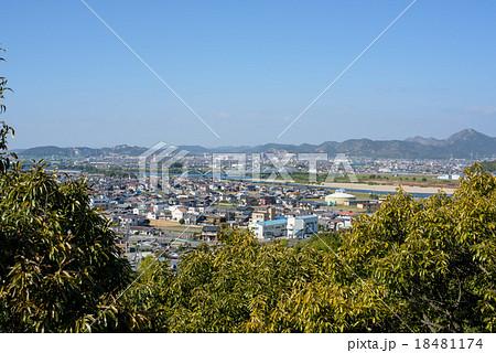 加古川市の風景 水管橋と高御座山 (兵庫県加古川市)の写真 ...