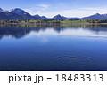 ババリア地方のホッフェンアム湖 18483313