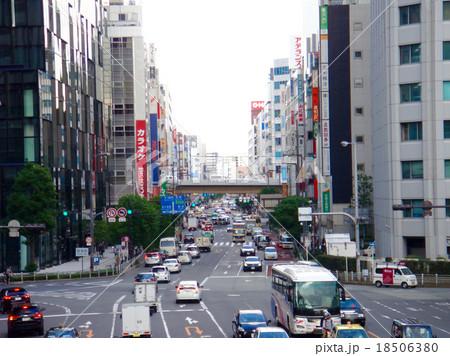 大阪梅田 阪急前交差点 18506380