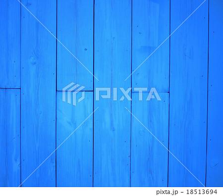 青い板・青い壁・青い木材・青い背景・青い素材・ブルー・爽やか 18513694