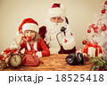 Santa Claus and child 18525418