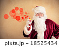 Santa Claus making a graffiti 18525434
