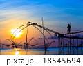 漁師 影 川の写真 18545694