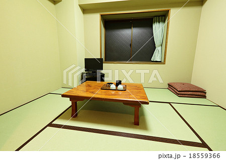 Traditional Japanese roomの写真素材 [18559366] - PIXTA