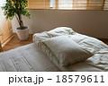 寝室 ベッド 寝具の写真 18579611