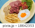 Breakfast with fried eggs, bacon, sausages 18642353