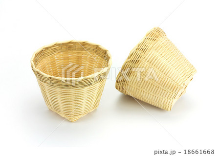 Bamboo basket on a white background.の写真素材 [18661668] - PIXTA