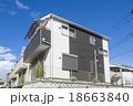 新しい町の家並み 18663840