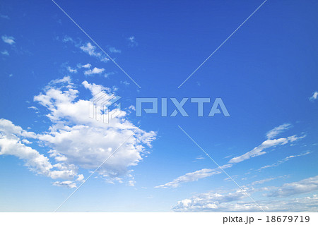 青空 空 雲 秋の空 背景 背景素材 11月 18679719