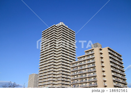 高層マンション 18692561