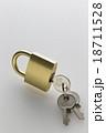 南京錠 鍵 錠の写真 18711528