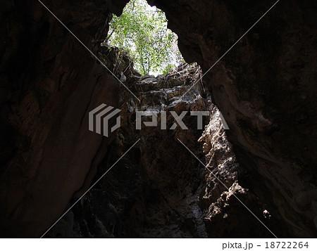 キリング・ケイブ(虐殺の洞窟)(バタンバン/カンボジア) 18722264