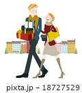 ショッピング中の男女 18727529