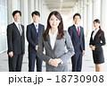 ビジネス 女性 ビジネスマンの写真 18730908