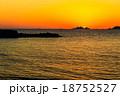 軍艦島と夕陽 18752527