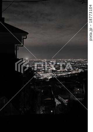 兵庫県宝塚 雲雀丘花屋敷からの夜景、大阪方面 18773104