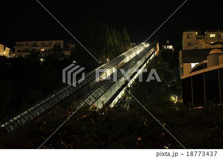 兵庫県西宮 名塩の斜行エレベーター、夜景 18773437