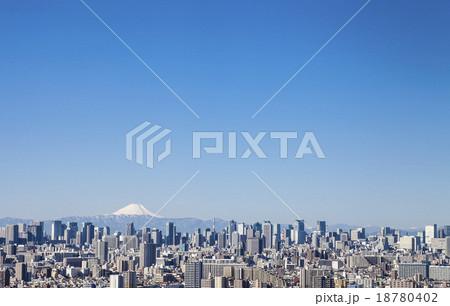 高層ビルと富士山 18780402