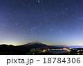 富士山と星空(山中湖・鉄砲木ノ頭) 18784306