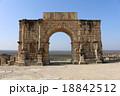 カラカラ帝の凱旋門 世界遺産 ヴォルビリス遺跡 モロッコ 18842512
