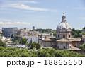 ローマの街並み 18865650