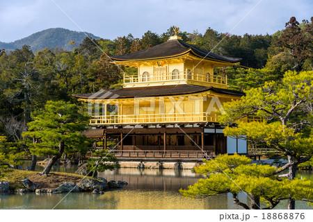 Kinkakuji Temple (The Golden Pavilion)  18868876